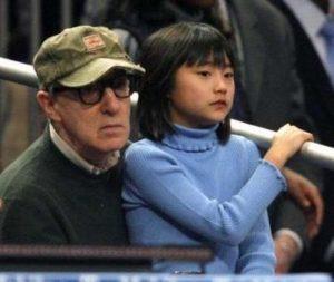 Woody Allen avec sa fille adoptive Bechet Allen